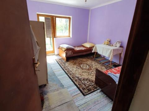Obiteljska kuća 90 m2 sa garažom i gospodarskim objektom