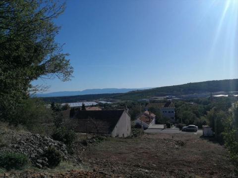 Kukuljanovo, zemljište sa građevinskom dozvolom za p+1 sa tri stambene jedinice