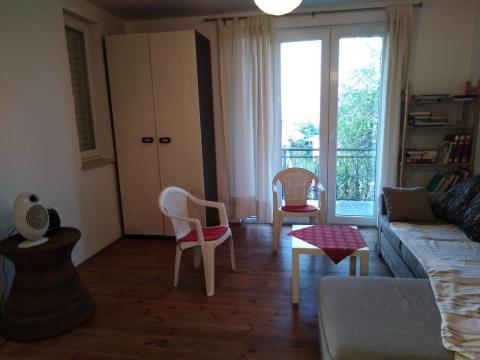 Stan za studentice, 1S+DB, 50 m2!