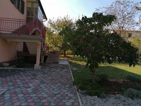 Predivna kuća sa okućnicom, P+VP+1, Lupoglav