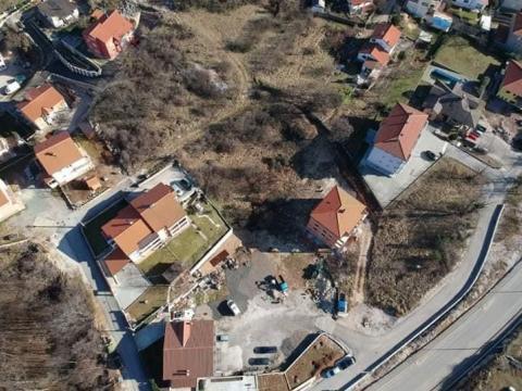 Prodaja građevinskog terena na Viškovu - Gornji Jugi 1169 m2