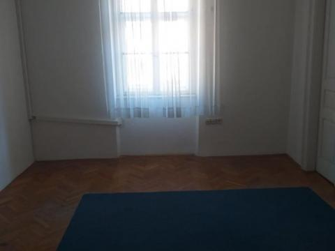Uredski poslovni prostor površine 18 m2