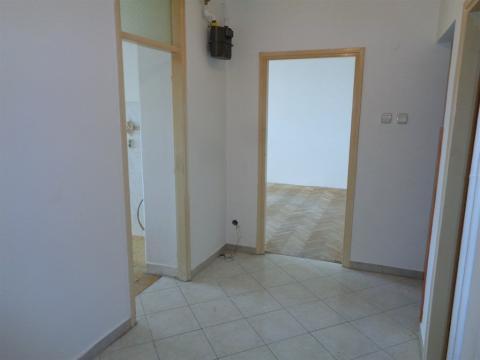 Stan 76 m2, 2S+DB,Rastočine