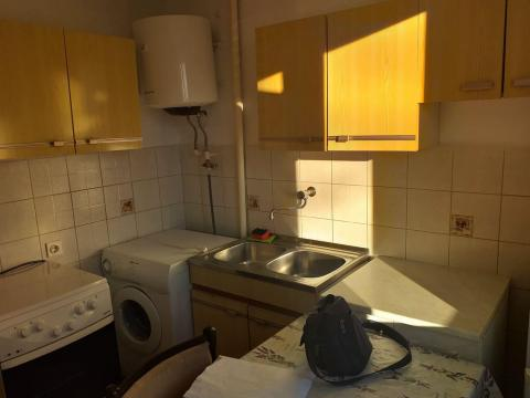 Prodaja jednosobnog stana na Turnić 27 m2