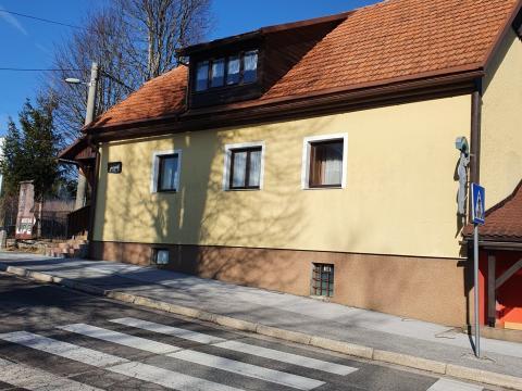 Idealni za starački dom,Kuća sa restoranom i okućnicom 1800 m2