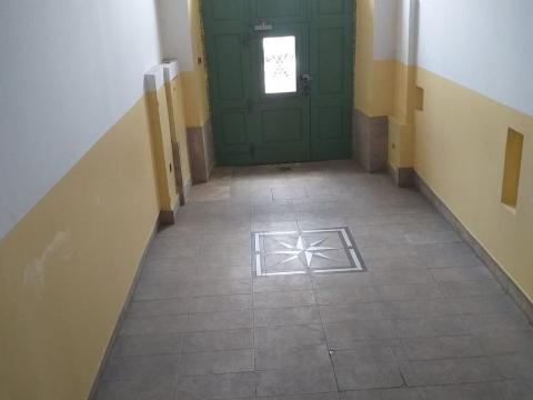Zakup nikad korištenog uredskog  poslovnog prostora u centru grada  18 M2