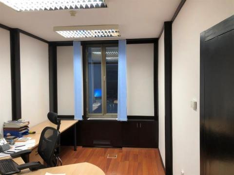 Uredski poslovni prostor za  zakup 16 m2