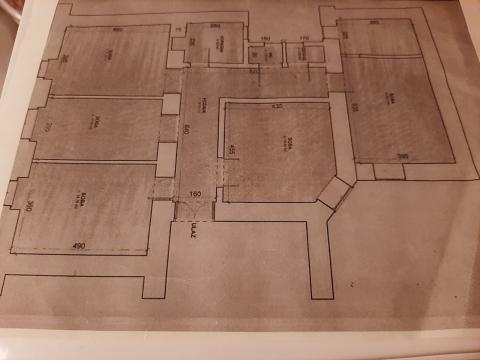 Centar, stan  od 130 m2 sa 4 sobe za najam