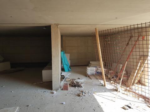 Mali Lošinj, dvoetažni stan od 73 m2 sa garažnim mjestom i okućnicom