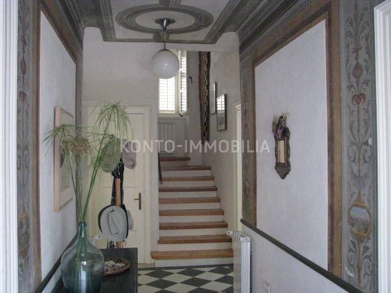 ulazni prostor sa stepeništem za kat