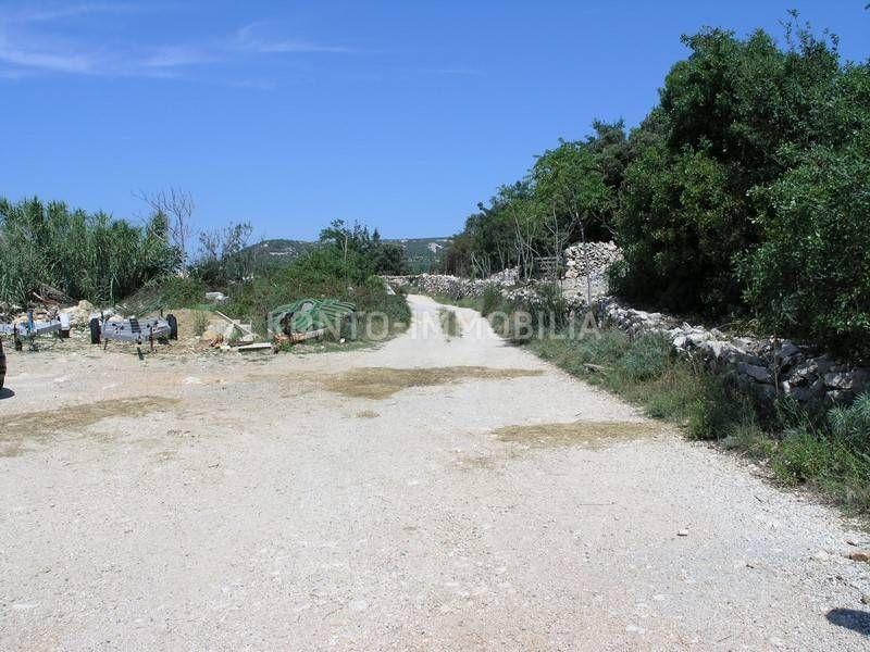 Rab, Barbat, zemljište sa dozvolom za gospodarski objekt