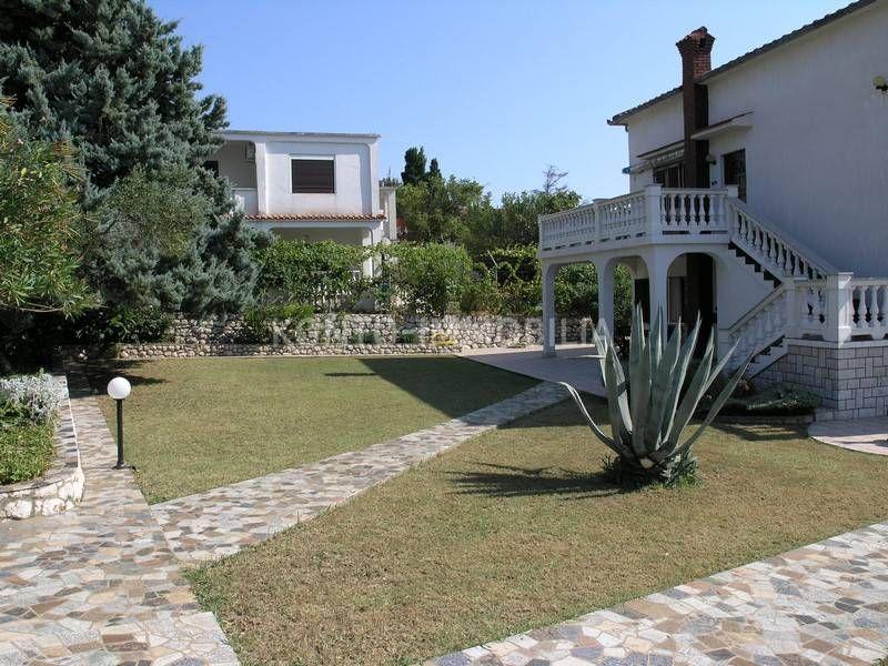 Rab, Lopar, kuća sa lijepim vrtom na samo 200 m od plaže