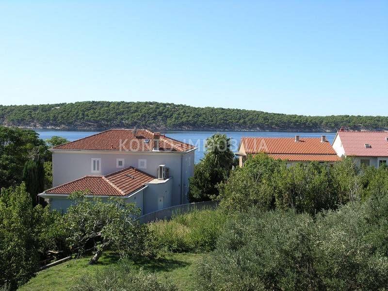Rab, Barbat, dvosoban stan sa velikom terasom i predivnim pogledom na more