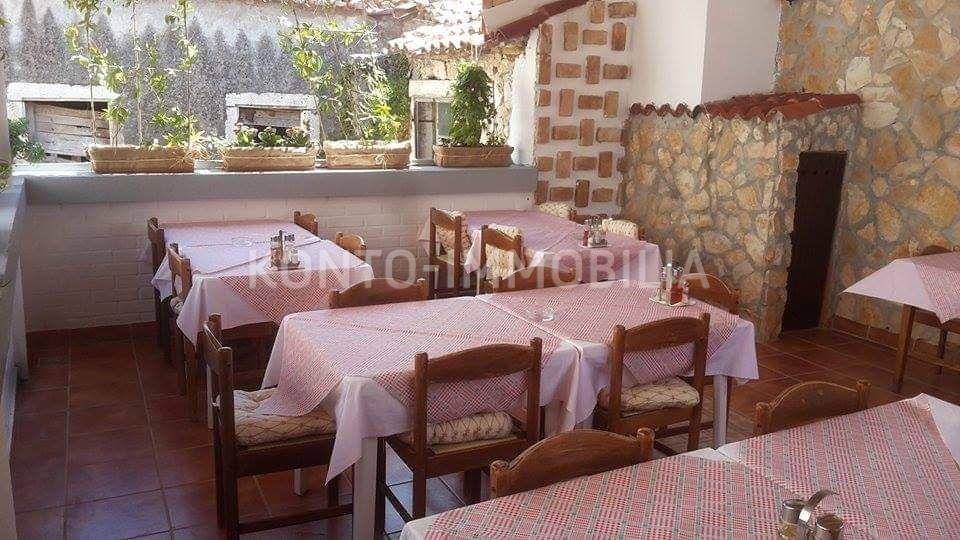 Uhodani restoran u samom centru starogradske jezgre!