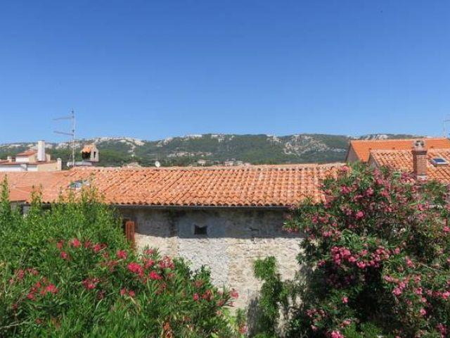 Pogled s balkona prema kamenjaku