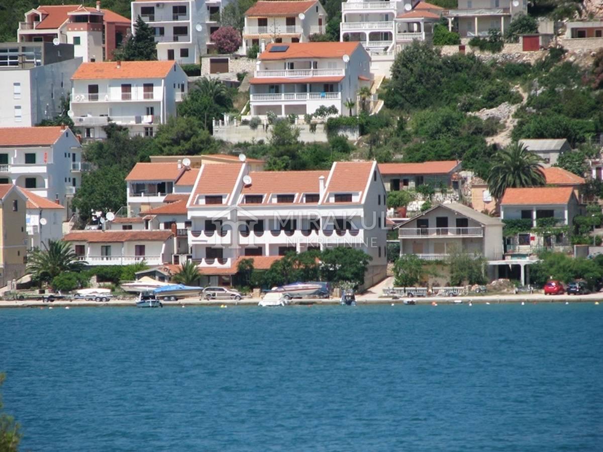 Tisno Ingatlan, Eladó hotel első sorban a tengertől, PT-02, Mirakul ingatlanok 2