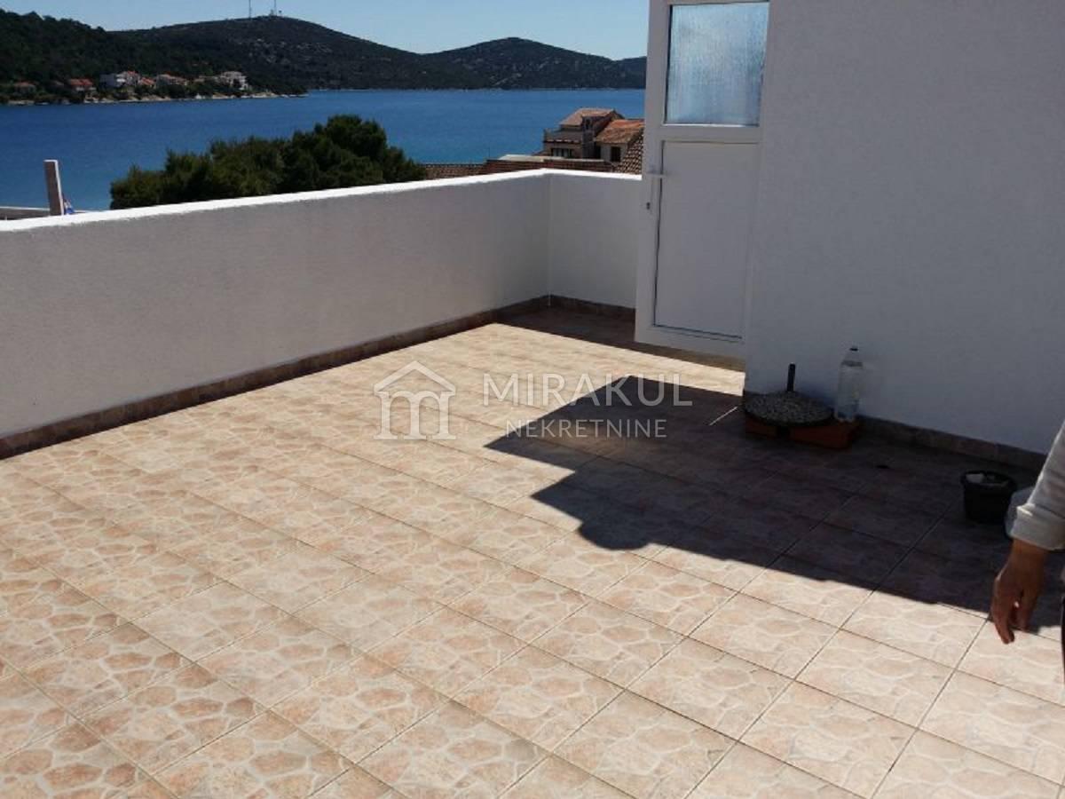 Ingatlan Tisno Murter sziget Horvátország, ház, Mirakul ingatlaniroda, ID - KT - 217, kőház kilátással a tengerre