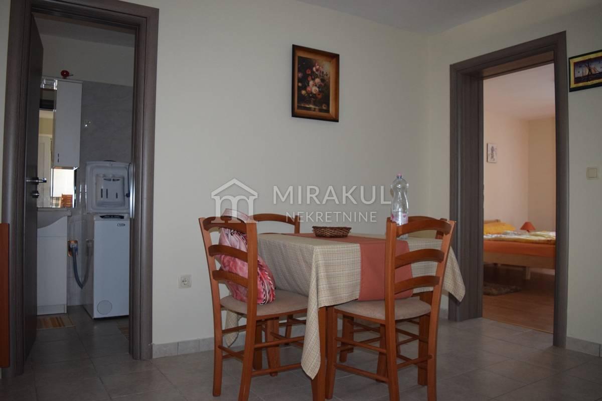 Nekretnine Vodice, kuća, Mirakul nekretnine, ID - KV - 400, Dvije kuće sto metara od mora