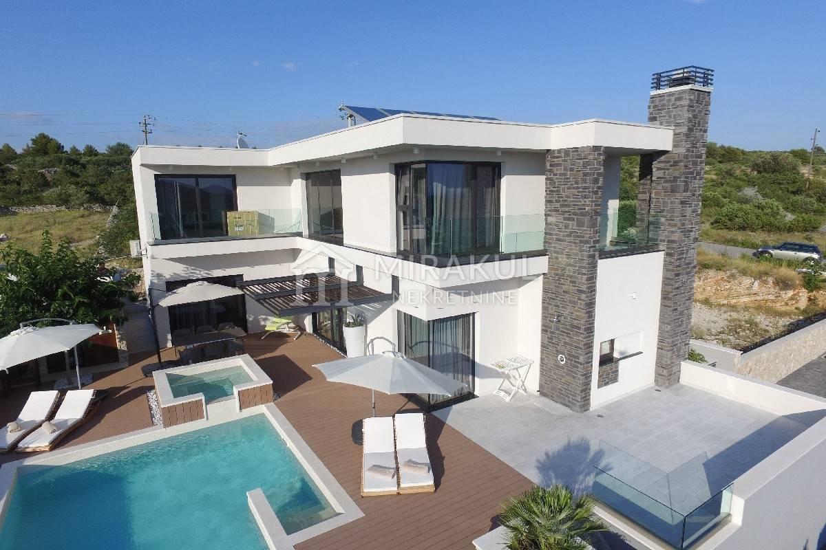 Primošten, Luxus családi villa medencével és panoráma kilátással