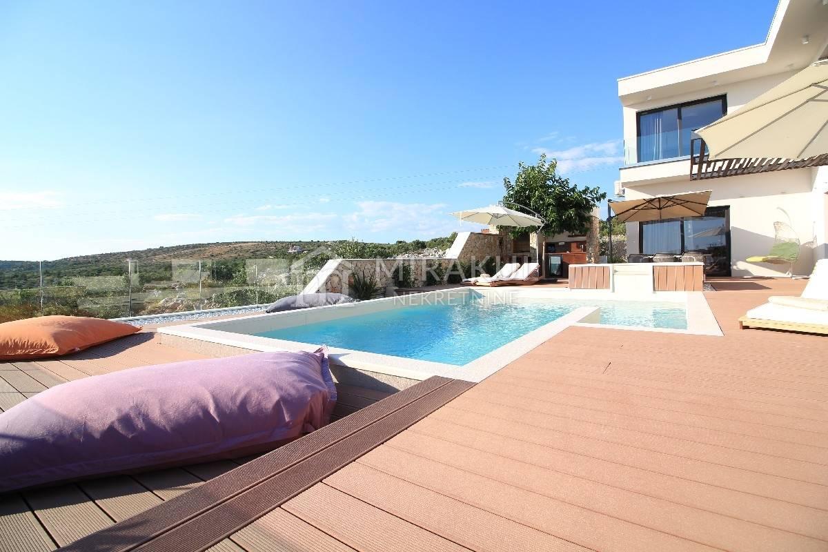 Ingatlan Primosten Horvátország, ház/villa, Mirakul ingatlaniroda, ID - KP - 251, Luxus családi villa medencével és panoráma kilátással