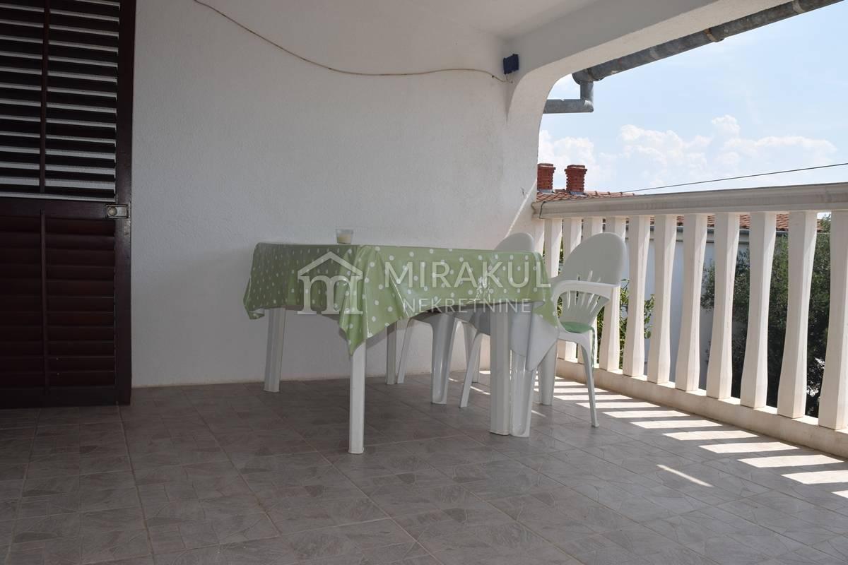 Nekretnine Jezera Tisno, kuća, Mirakul nekretnine, ID - KJ - 432, Manja obiteljska kuća za odmor, Vikendica