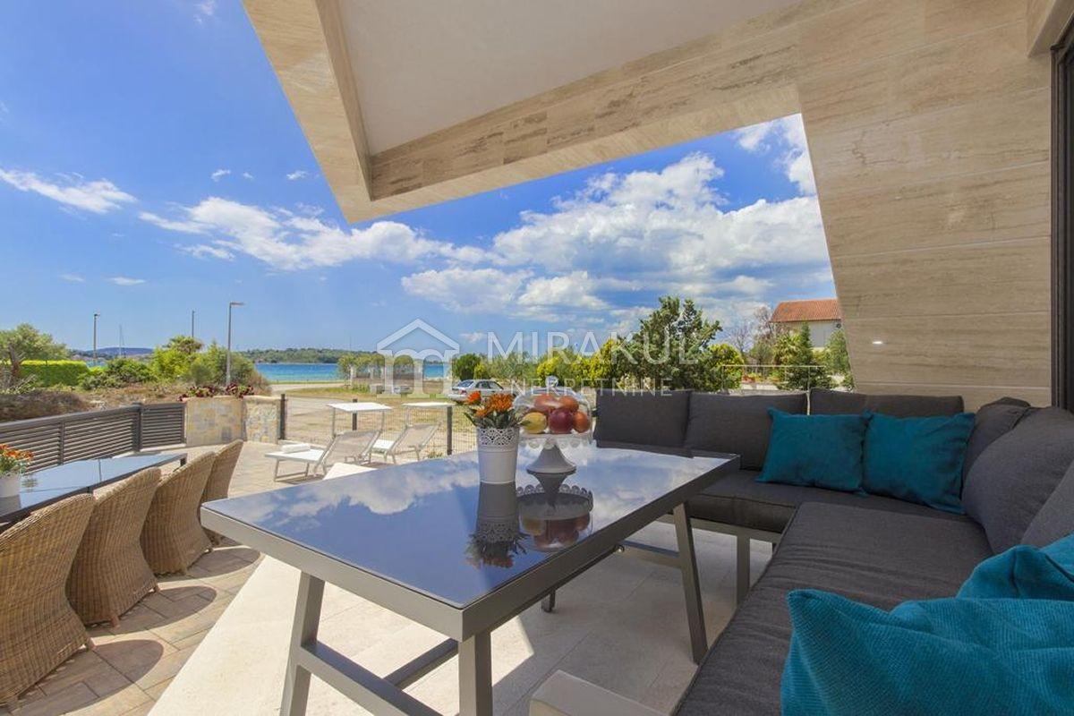 Nekretnine Srima, kuća, Mirakul nekretnine, ID - KS - 444, Vila sa pogledom na more