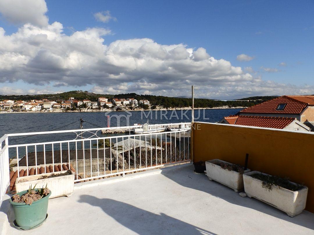 Nekretnine otok Krapanj, stan, Mirakul nekretnine, ID - AK - 617, Stan sa pogledom na more