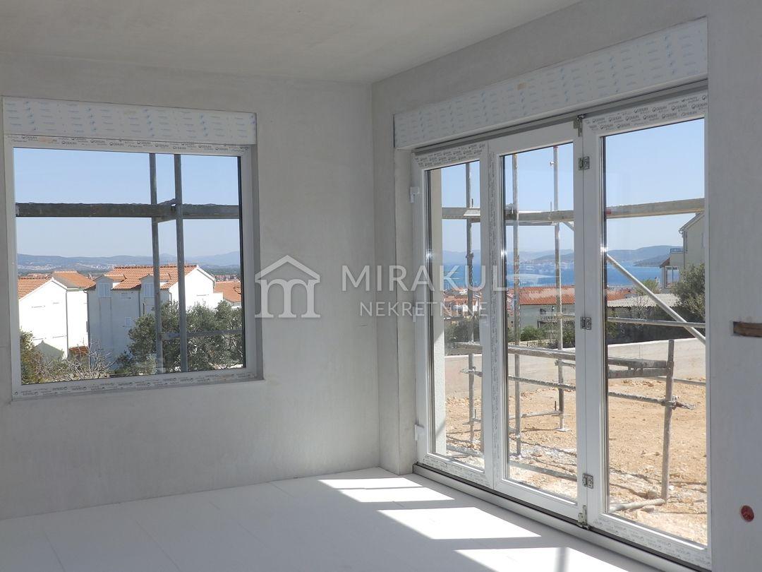 Ingatlan Vodice Horvátország, ház, Mirakul ingatlaniroda, ID - KV - 464, Panorámás családi villa medencével