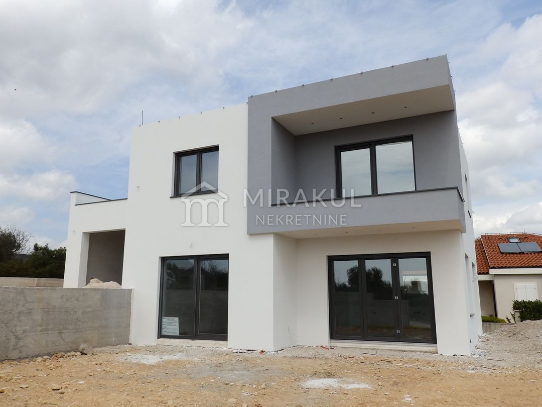 Nekretnine Vodice, Prodaja moderne vile sa panoramskim pogledom KV-464, Mirakul nekretnine 1