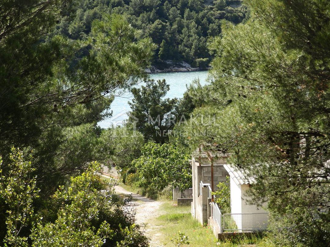 Nekretnine Jadrtovac, zemljište, Mirakul nekretnine, ID - GJ-323, Lijepo zemljište blizu mora