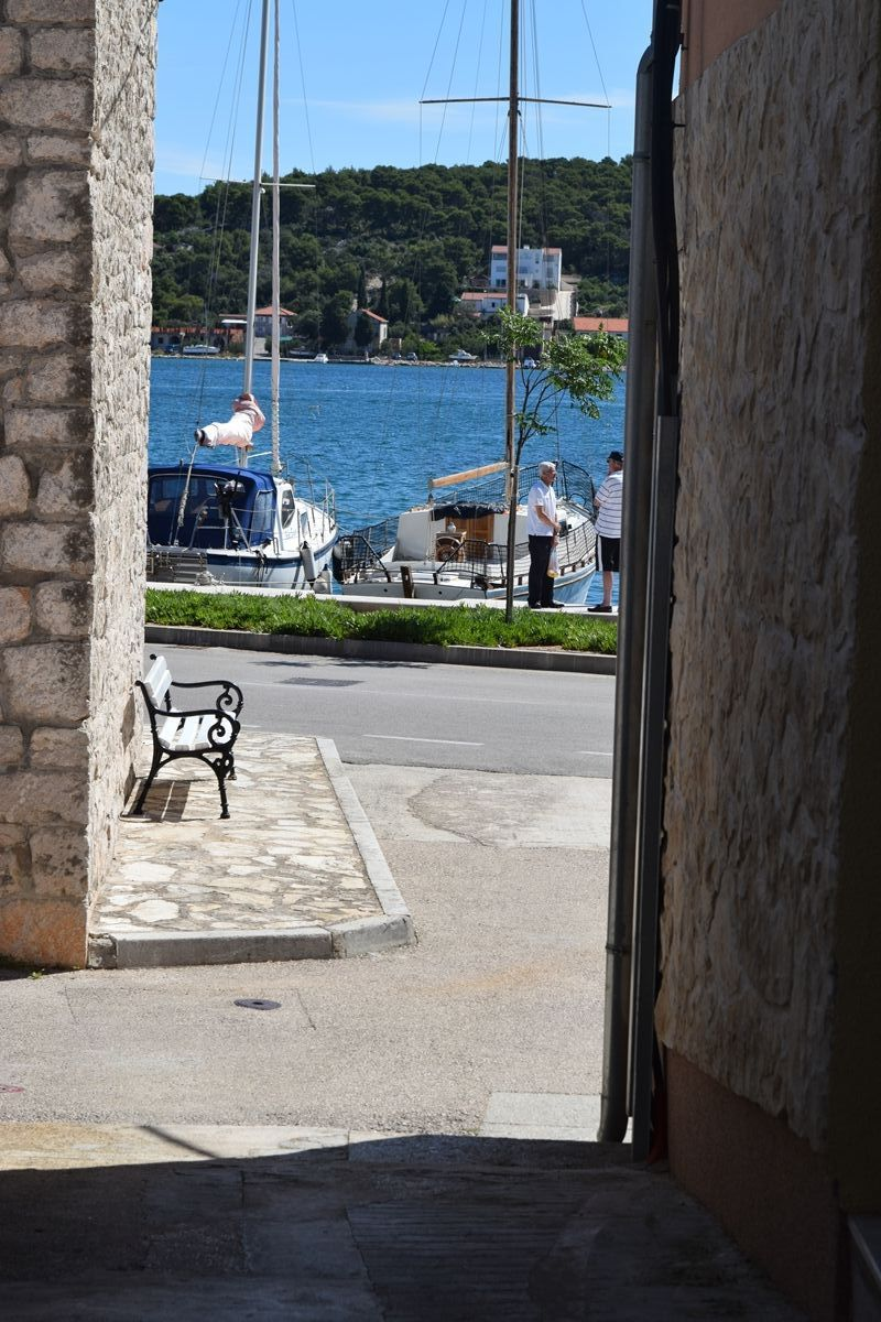Nekretnine Tisno, kuća, Mirakul nekretnine, ID - KT-486, Kuća sa 2 apartmana i pogledom na more