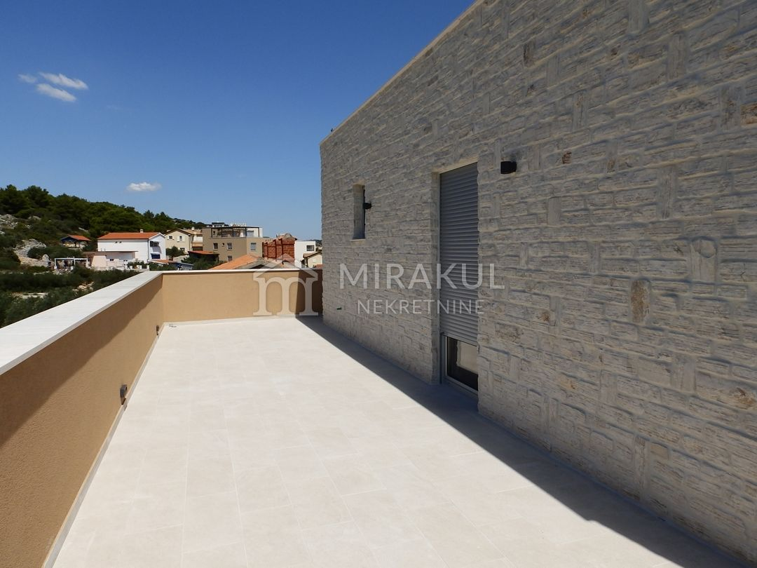 Real estate Croatia - Betina, Penthouse in the first row with a panoramic view