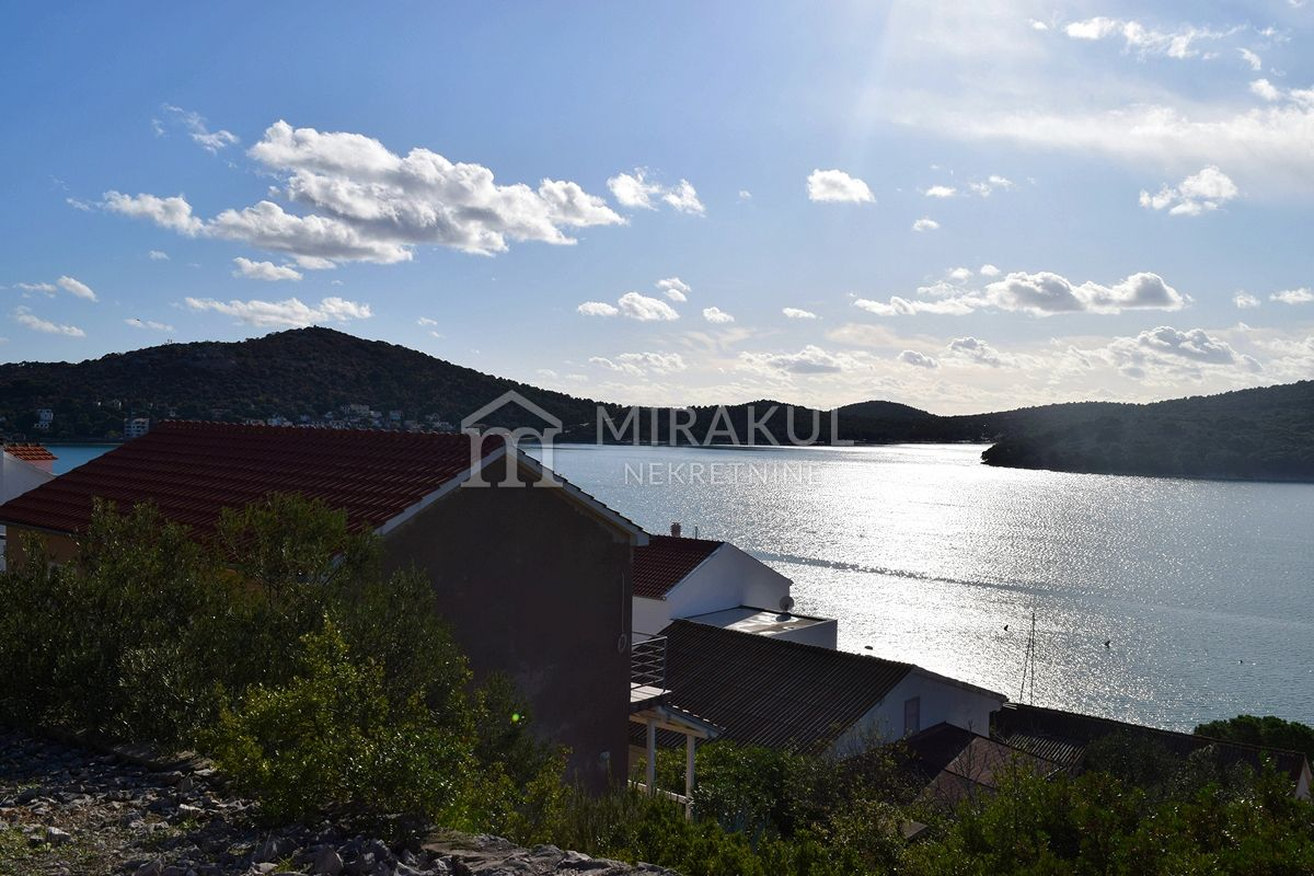 Tisno, House with large garden and panoramic sea view