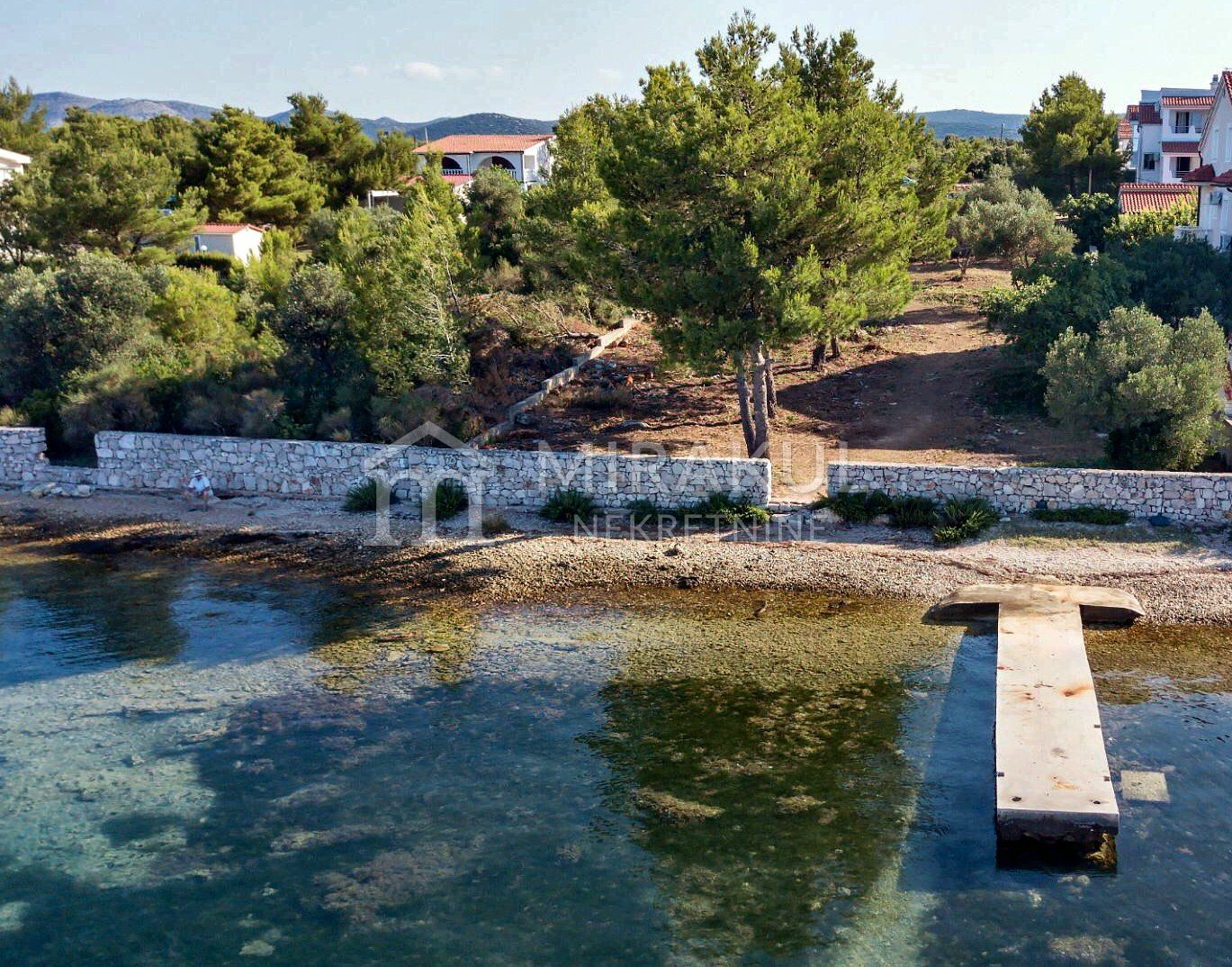 Immobilien Pirovac Kroatien, Land, Mirakul Immobilienagentur, ID - GP-338, Baugrundstück in erster Reihe zum Meer 1