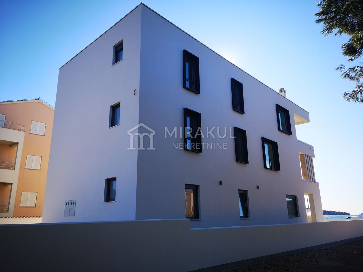 Croatia - Srima, Modern flat in the first row to the sea!