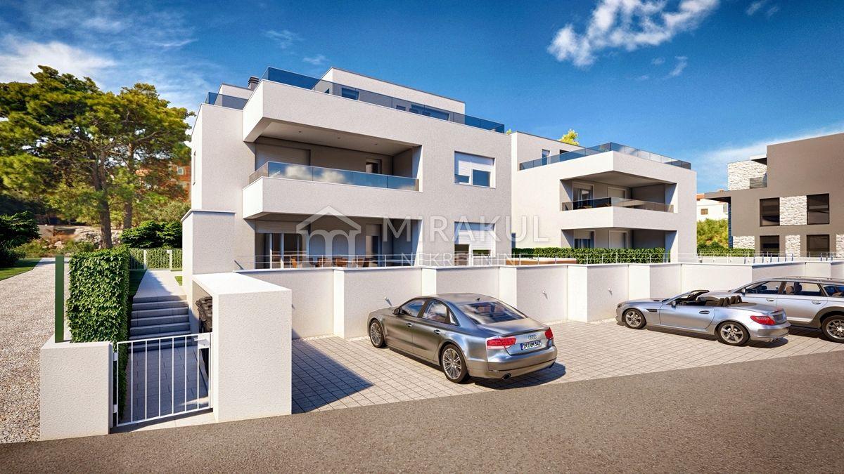 Mirakul Ingatlan, Eladó tengerparti 3-szobás emeleti lakás, AM-736, Mirakul Ingatlanok