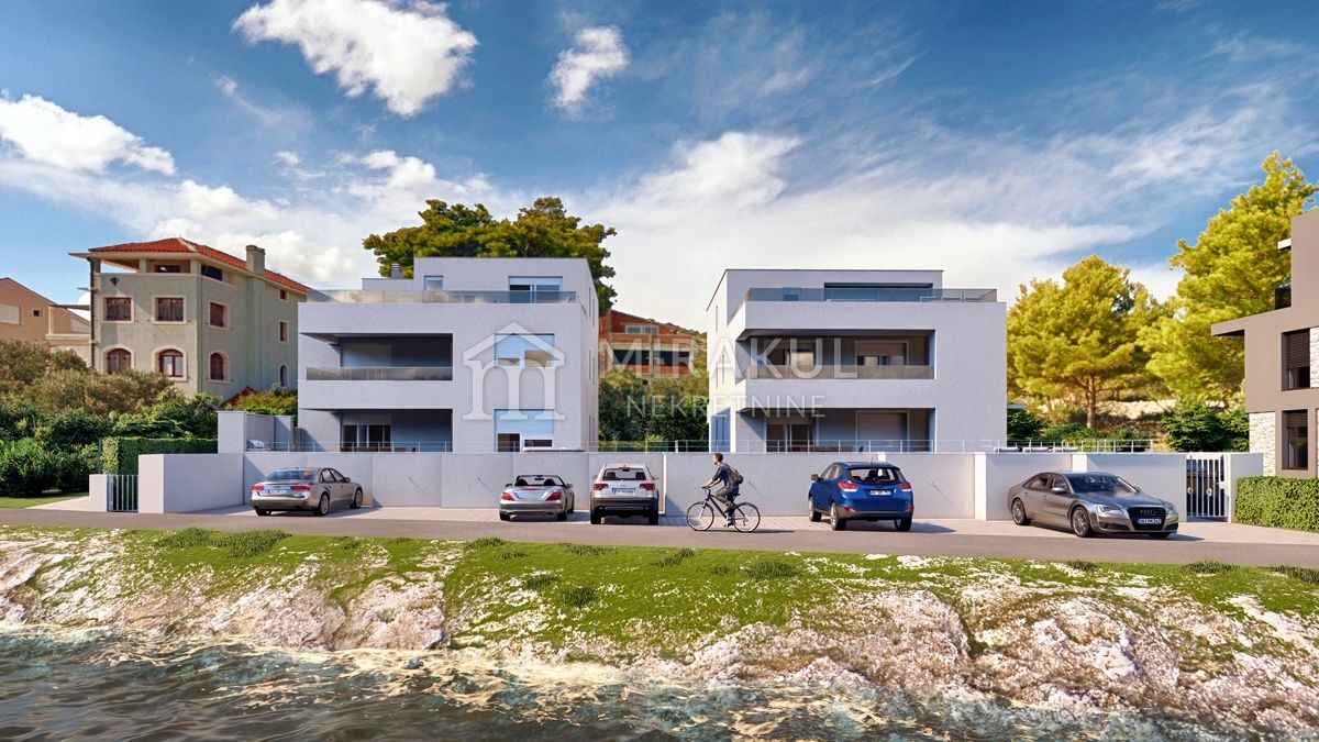 Real estate Croatia - Murter, NEW BUILDING IN THE FIRST ROW TO THE SEA, flat on the second floor