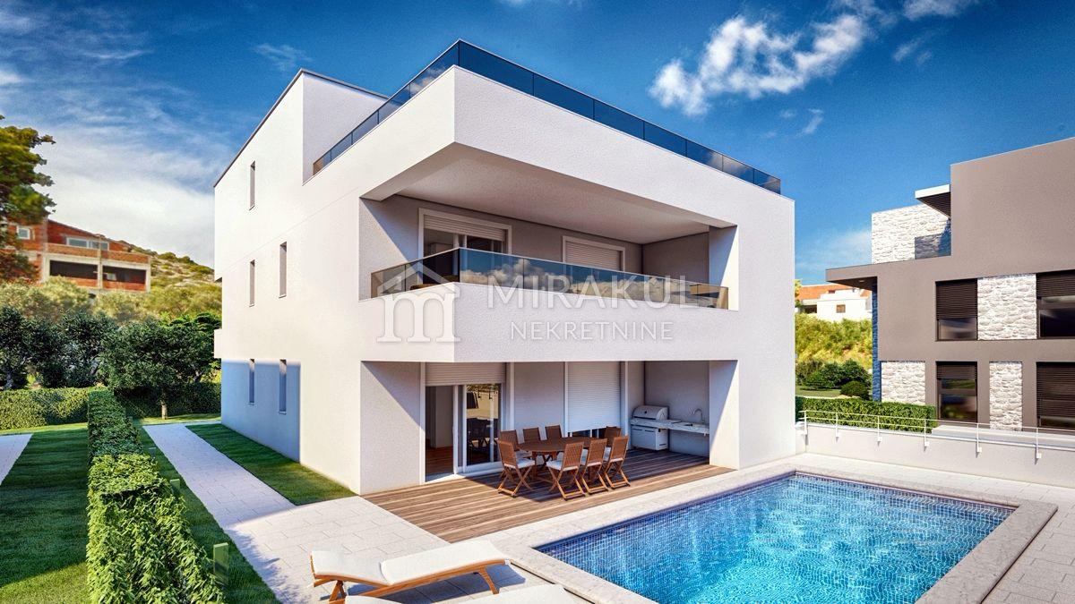 Nekretnine Murter, Prodaja stana sa terasom u prvom redu do mora sa pogledom na more, AM-738, Mirakul nekretnine