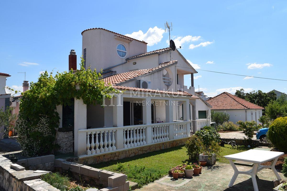 Brodarica Ingatlan, Eladó két ház a tenger közelében, KB-539, Mirakul Ingatlanok