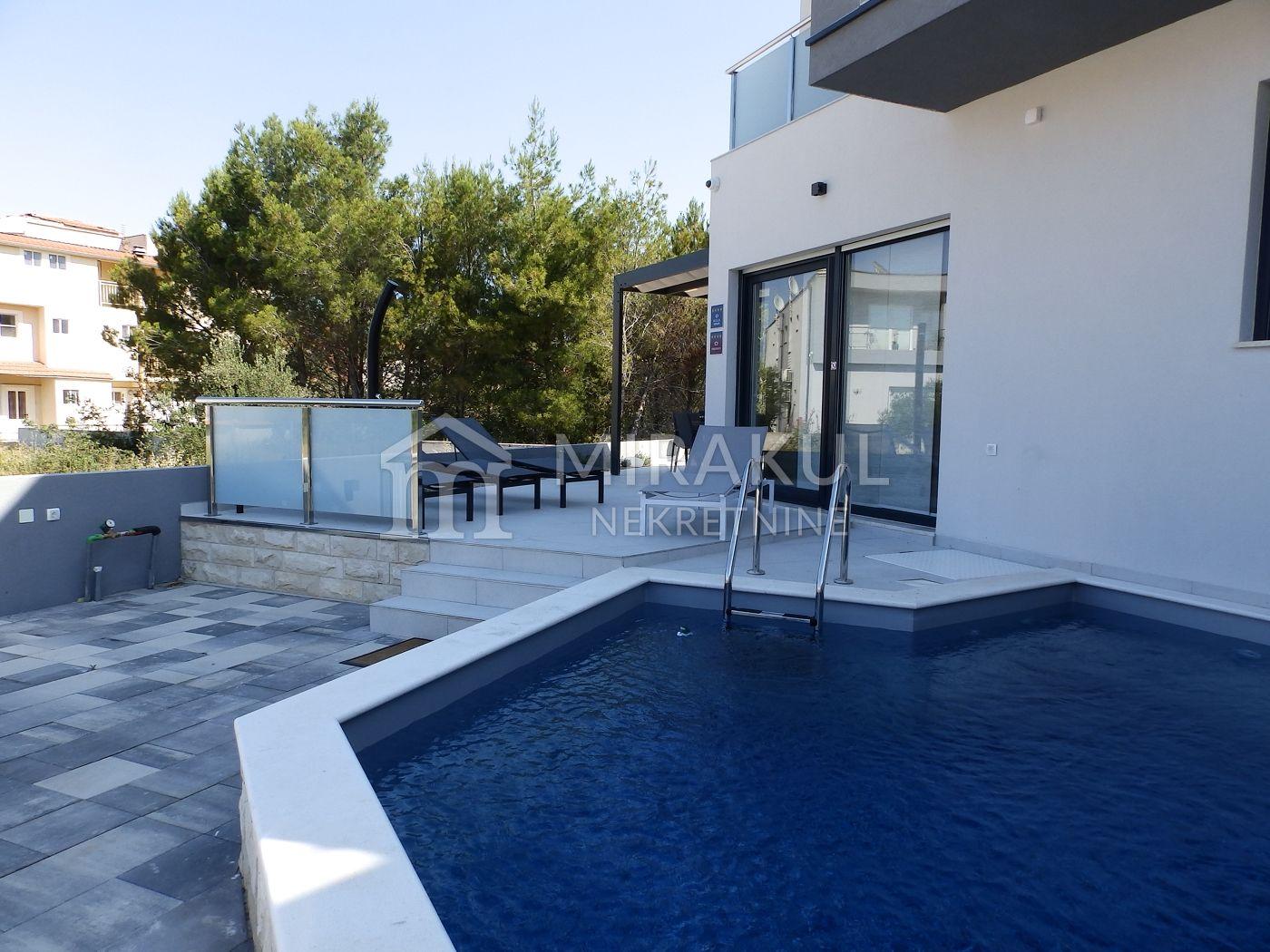 Properties Srima Croatia, Mirakul Real Estate agency, AS-751, Luxurious flat with a pool 1