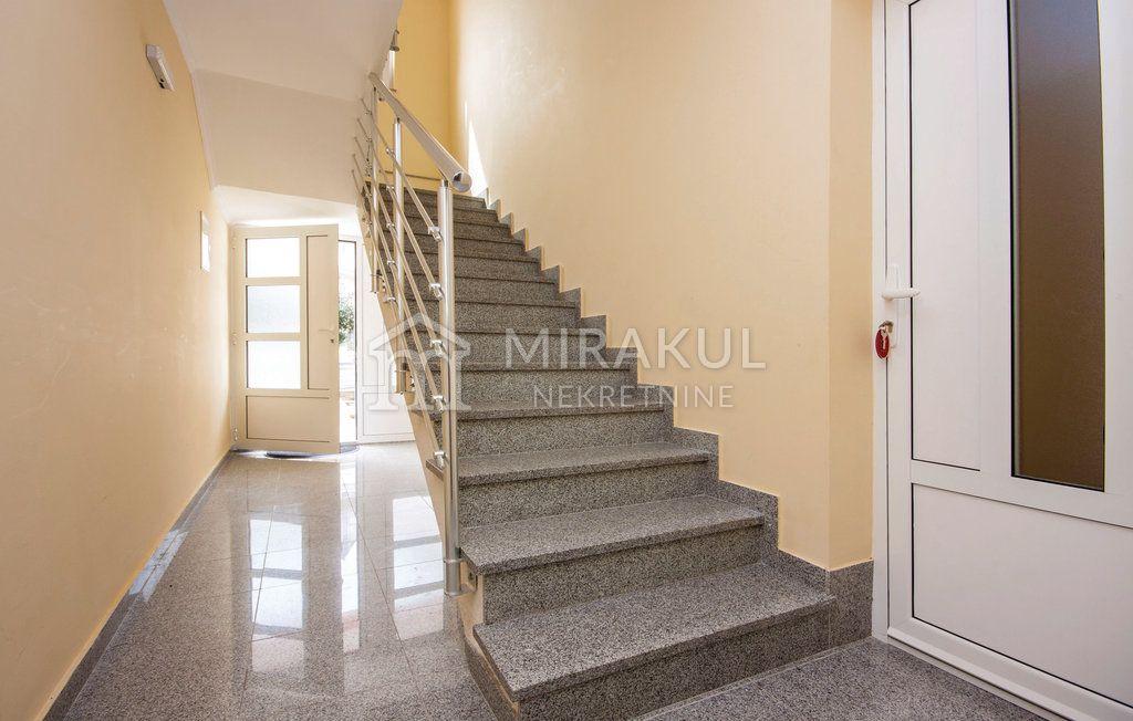 Nekretnine Jezera, Prodaja apartmanske kuće sa 11 stambenih jedinica, KJ-549, Mirakul Nekretnine 3
