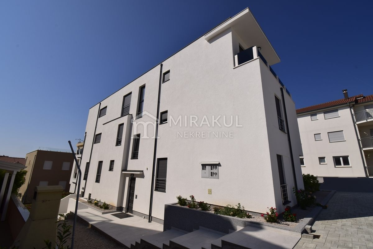 Real estate Vodice, Three bedroom apartment for sale in a new building near the sea and the beach, AV-763, Mirakul real estate