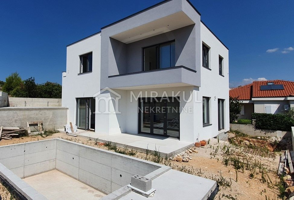 Immobilien Vodice, Villa mit Panoramablick und Pool