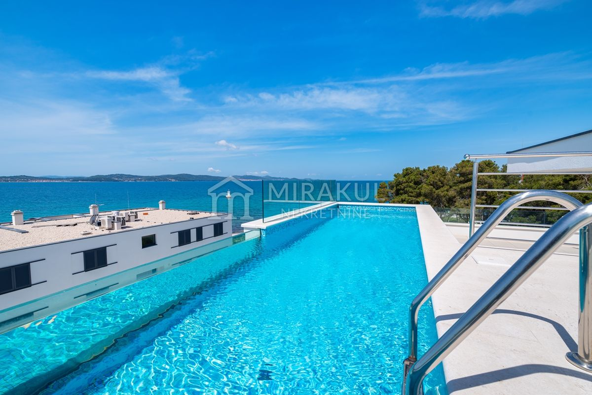 Real estate Sukošan, Penthouse S3 with beautiful view and pool, second row to the sea