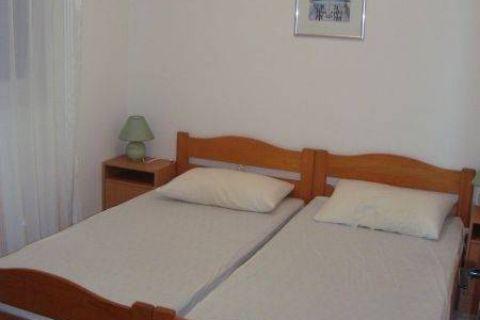 Ingatlan Murter Horvátország, ház/nyaraló, Mirakul ingatlaniroda, ID - KM - 160, Apartmanház kilátással a tengerre