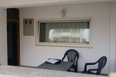 Elado horvát ingatlan, Nyaraló 3 apartmannal