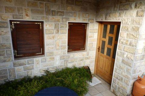 Nekretnine Jezera, Prodaja obiteljska kuće sa vrtom, KJ-340, Mirakul nekretnine 3
