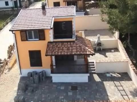 Nekretnine Šparadići Šibenik, kuća, Mirakul nekretnine, ID - KS - 374, kuća 20 m. od mora s pogledom na more