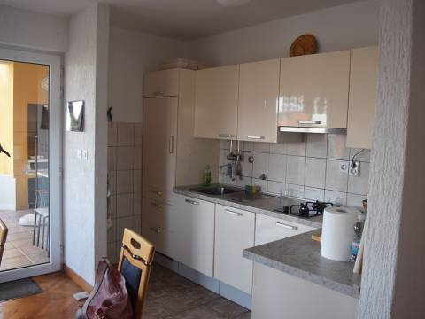 Ingatlan Primosten Horvátország, ház/nyaraló, Mirakul ingatlaniroda, ID - KP - 386, Ház 40 m. a strandtól