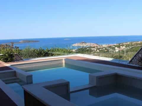 Ingatlan Primosten Horvátország, ház/villa, Mirakul ingatlaniroda, ID - KP - 251, Luxus családi villa medencével